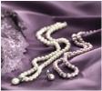 Dámské prádlo a perlové šperky